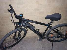 BTWIN Rockrider 520 MTB bicycle