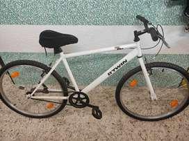 B'TWIN DECATHLON MY BIKE 26 T HYBRID CYCLE (SINGLE SPEED,WHITE)