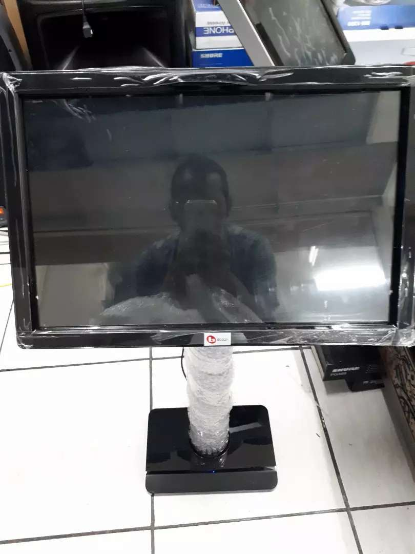 Monitor Touchscreen 19 + stand