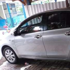 Mobil yaris 2013 type J
