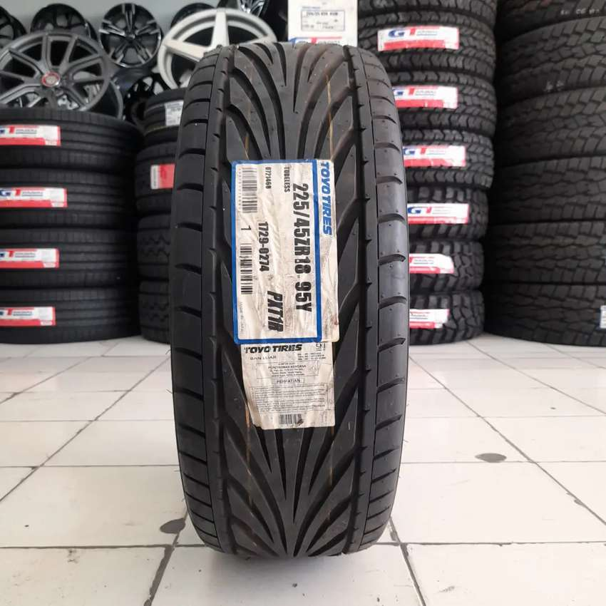 Toyo tires 225/45 R17 PXT1R. B/u mobil camry accord BMW mercy civic 0