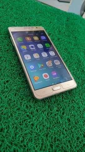 Samsung on7 pro, 2gb ram, 32gb internal memory