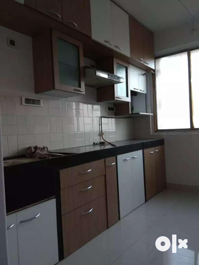 available 2Bhk Flat for rent at Chembur Indian oil Nagar real photo 0