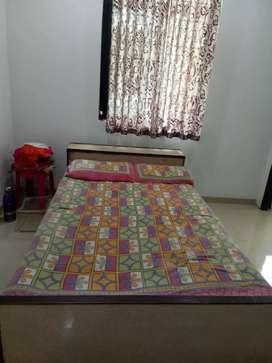 Bed 6.50*4 Feet