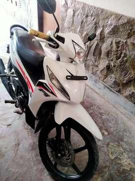 Honda Revo 110 injeksi 2015 (lecet pemakaian)