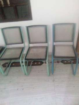 3 best executive chairs at RS 1000 each