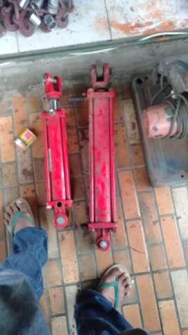 Cylinder hydraulic boom