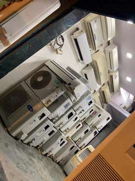 Second hand air-condition in very good condition with warranty
