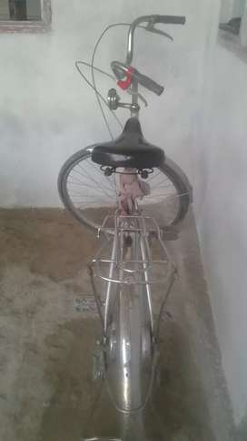 cycle made in uk Rs8000
