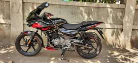 4 months old.  PULSAR 220 abs bs6 . Next to brand new . Loan possible