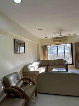AVAILABLE LAVISH FLAT ON RENT VERY PRIME LOCATION