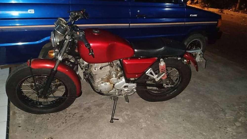 For Sale!! Yamaha Scorpio 225cc custom ,pajak panjang