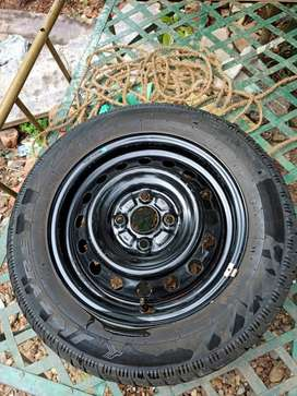 165/70R 14 tyre with disk