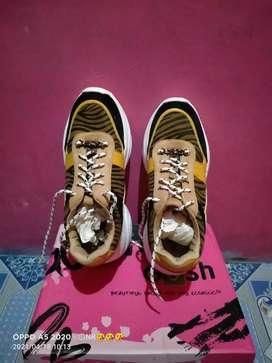 Di jual sepatu gosh pl link new