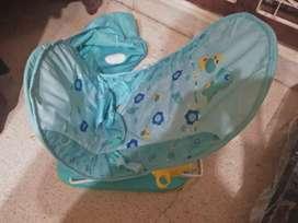 dijual kursi mandi bayi dan tempat tidur kelambu bayi