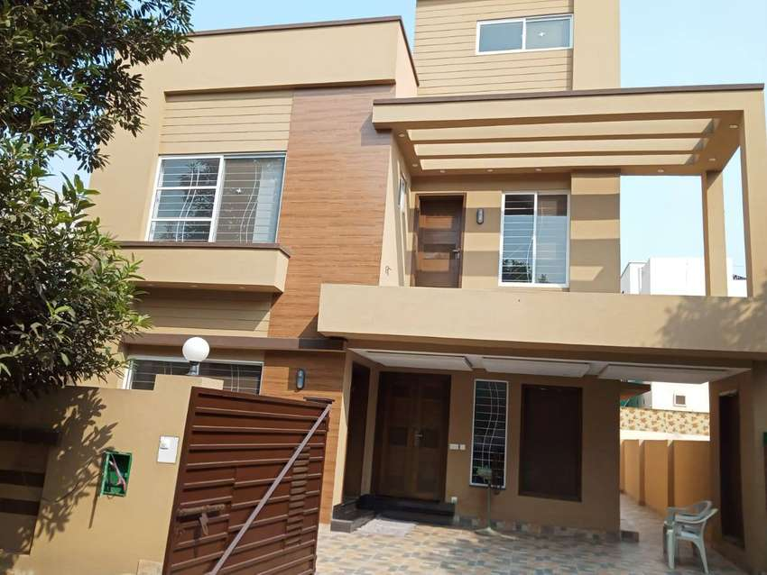 HOUSE FOR SALE AT HOT LOCATION 0
