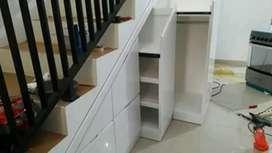 Lemari bawah tangga modern
