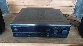 Amplifier merk Yamaha AX 470 Natural Sound Stereo