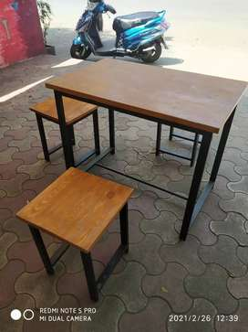 Counter, Table & Stools