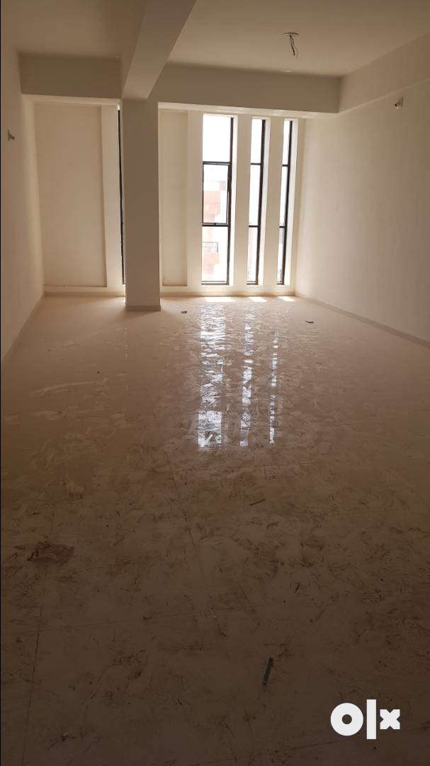 550 sq.ft 3ed floor office rent dmart vallabh vidyanagar 0