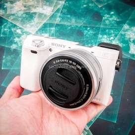 Sony a6000 kit 16-50mm. Fullset Mulus. Murah.