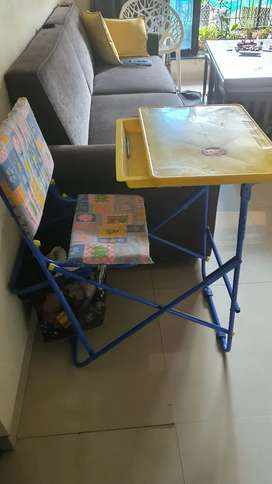 Study table mother touch for kids rarely used. Fixed price.