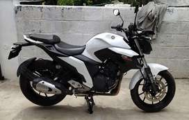 FZ- 25(250 CC) -White, Yamaha White Color
