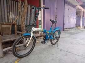 Sepeda lipat genio ban 20 inch