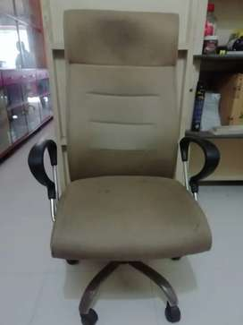 High Back KING size Revolving Chair