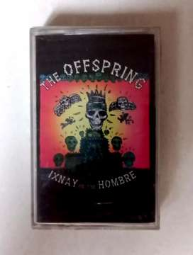 "kaset pita original segel album ""offspring ixnay on the hombre""."