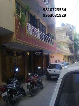 Independent 2BHK with Free Car Parking on Rent near Rajouri Metro