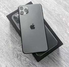 Iphone all new models available with bill box just call mee now