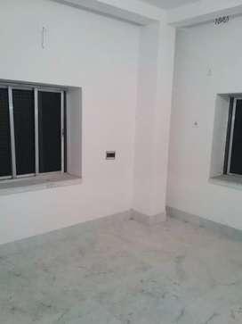 3bhk flat for rent near kestopur area. Bachelor family allow.