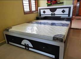 Double bed box wala saath me gadde bhi he