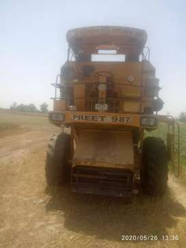 Preet combine good condition model 2009 peti band engine