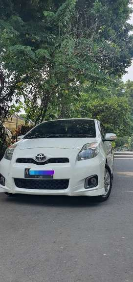 TOYOTA YARIS S LIMITED 2013 AT