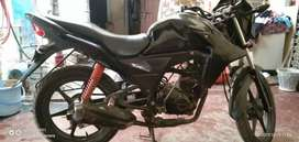 Honda Twister in good condition both tyer are new MRF