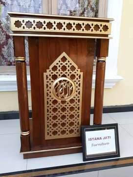 Mimbar masjid sisi tongkat