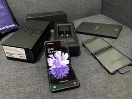 Samsung Galaxy Z Flip 256GB mirror black - Mulus - Fullset ori - minus