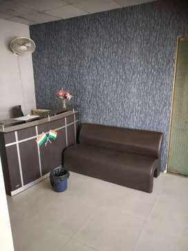Fully furnished office in Noida