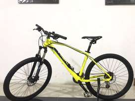 Dijual sepeda kesayangan Thrill Vanquish 3.0 size 27.5 cek deskripsi