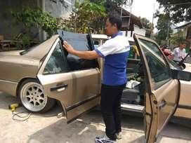 Melayani pemasangan kaca film mobil, kaca film kantor