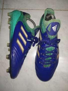 Sepatu bola adidas Copa 18.1 FG