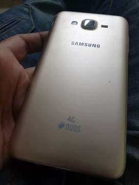 Galaxy J7 2015 model in new condition with bill and accessories