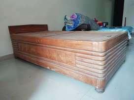 Sheesham wood Devaan (box bed)