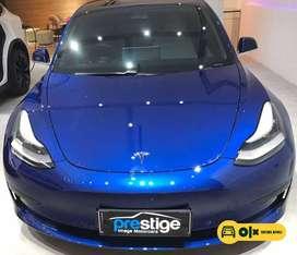[Mobil Baru] Tesla Model 3 Standard Plus Blue on White NIK 2021