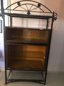 Ply cabinet