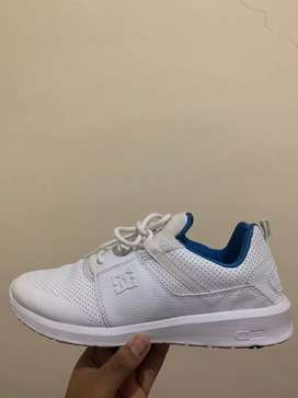 Original Sepatu DC Heathrow Prestige Size 43 (White)