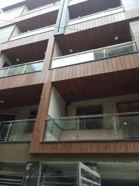 BRAND NEW 3 BHK MANSAROVER GARDEN LIFT PARKING GATED SOCIETY SALE