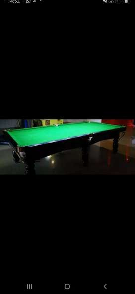 Pool & snooker table.
